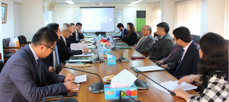 In-house meeting with a 6-member Chinese Delegation from the Councillor's Office of the State Council